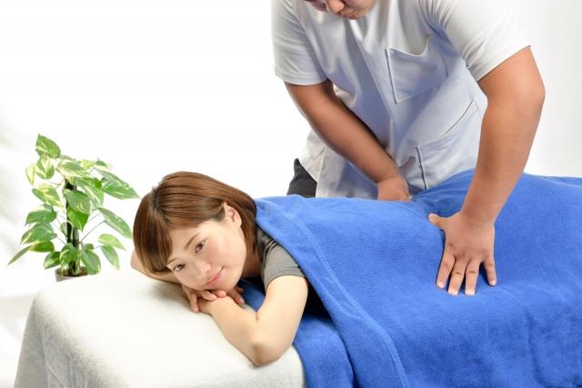 腰椎ヘルニアの治療は整体とマッサージどっち?
